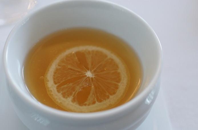 Jeruk nipis dan jahe dengan teh hijau