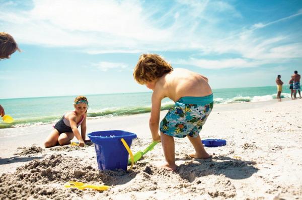Game di pantai - ide yang menyenangkan untuk anak-anak dan orang dewasa